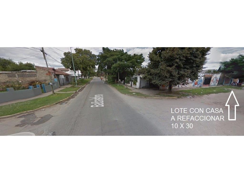 EXC. LOTE CON CASA A REFACCIONAR!! OPORTUNIDAD INMEJORABLE UBICACION A 1/2 CUADRA DE EVA (RUTA 21)