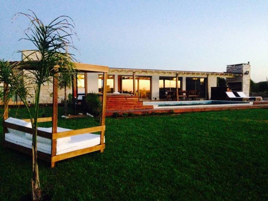 Venta de la casa 44 ubicada en barrio Golf 1 en Costa Esmeralda
