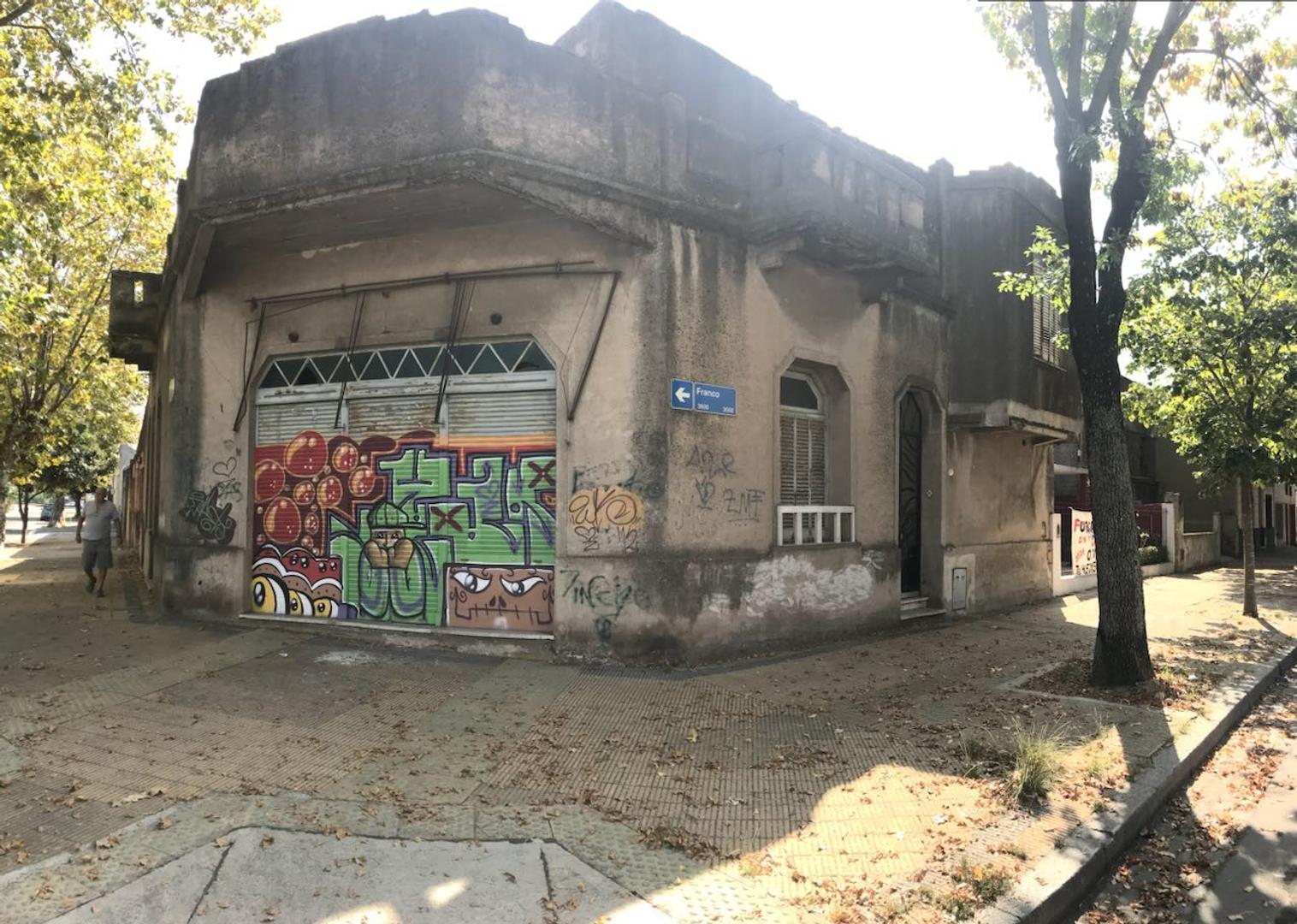 DOBLE LOTE - VENTA EN BLOCK - 2 CASAS MAS LOCAL