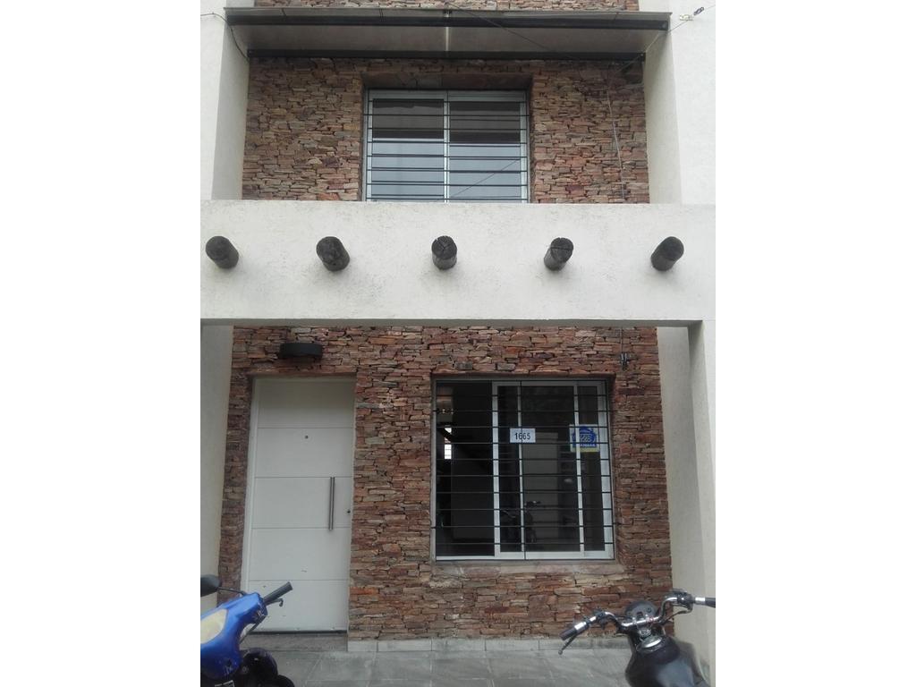 Duplex Apto Crédito, Ituzaingó Norte. Nicasio Oroño 1600.