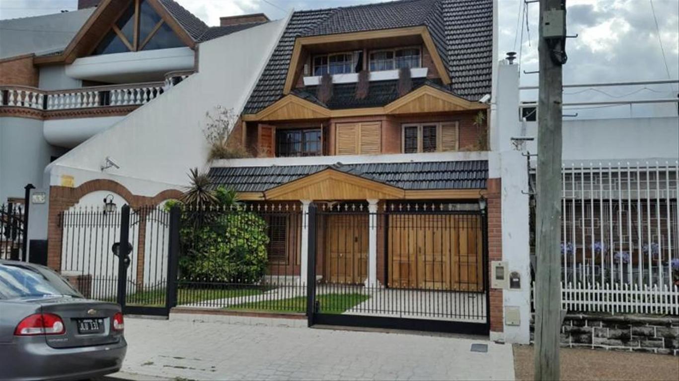 Casa en Venta de 5 ambientes en Capital Federal, Mataderos