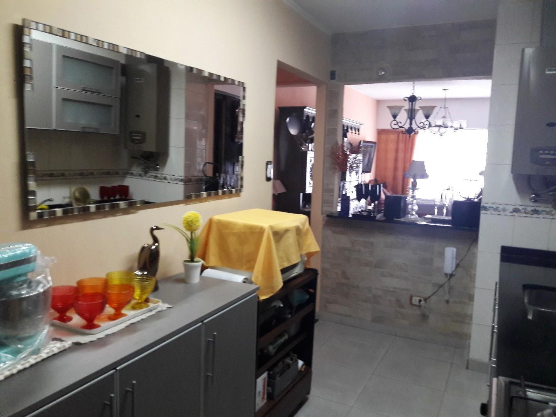 Departamento de cuatro ambientes en Ramos Mejia