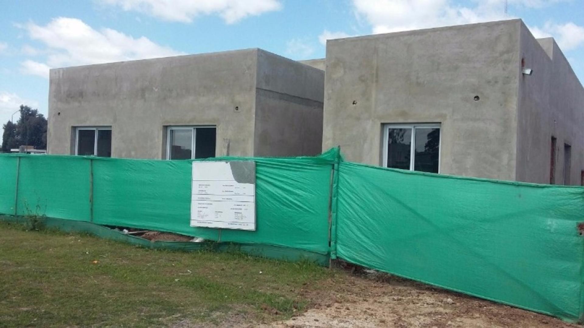 Casa a estrenar en San Eduardo, Pilar del Este