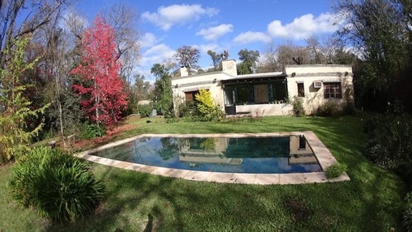Casa en venta 4 ambientes La Lonja