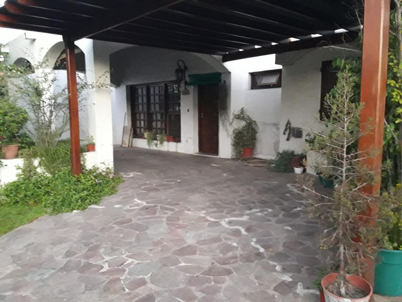 Casa en Venta en Aranjuez - 4 ambientes