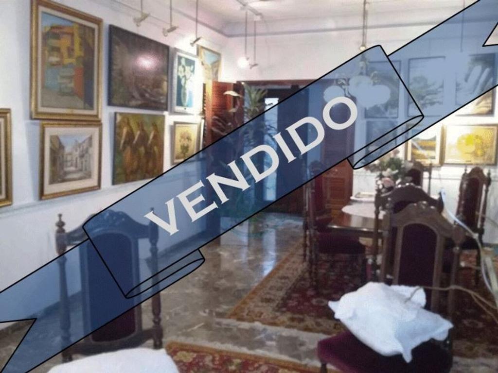 - PROPIEDAD VENDIDA - 4 AMBIENTES C/TERRAZA GARAGE QUINCHO Y 2 PATIOS