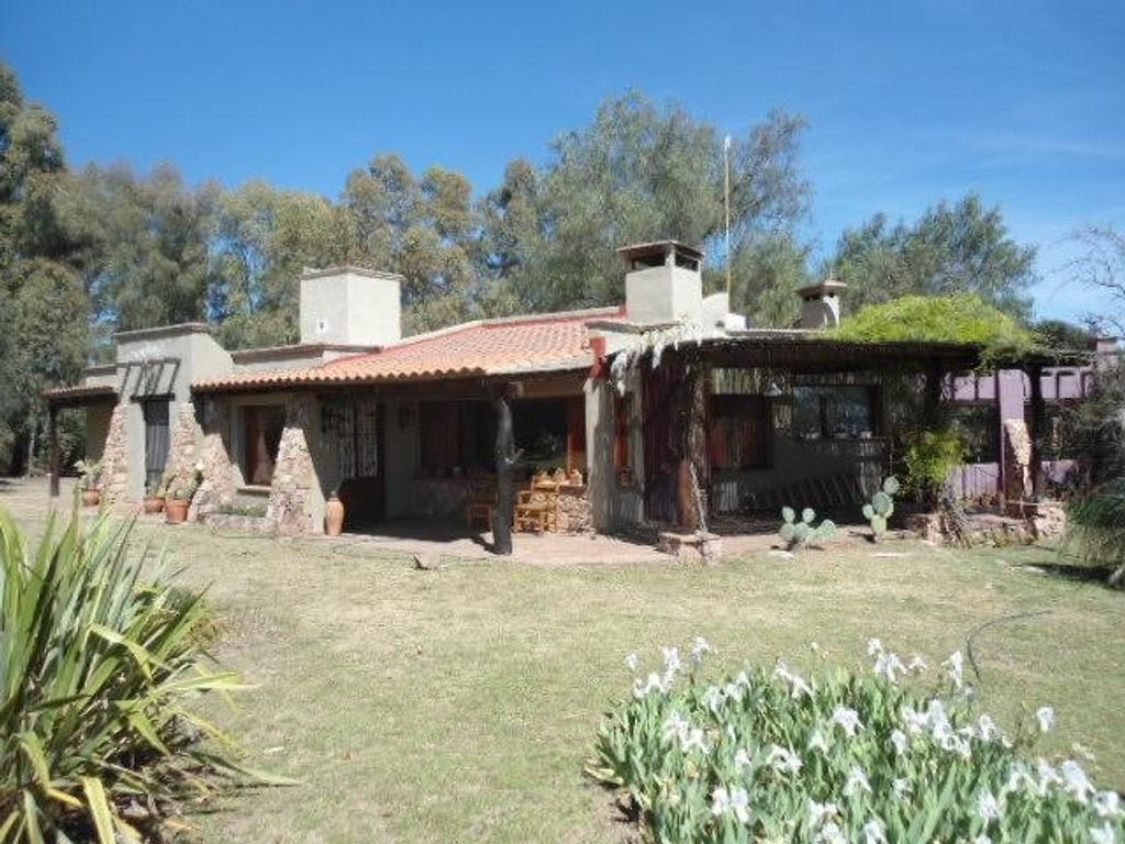 Impactante casa a la venta en San Javier, barrio San Onofre, sobre lote de 5.500 m2