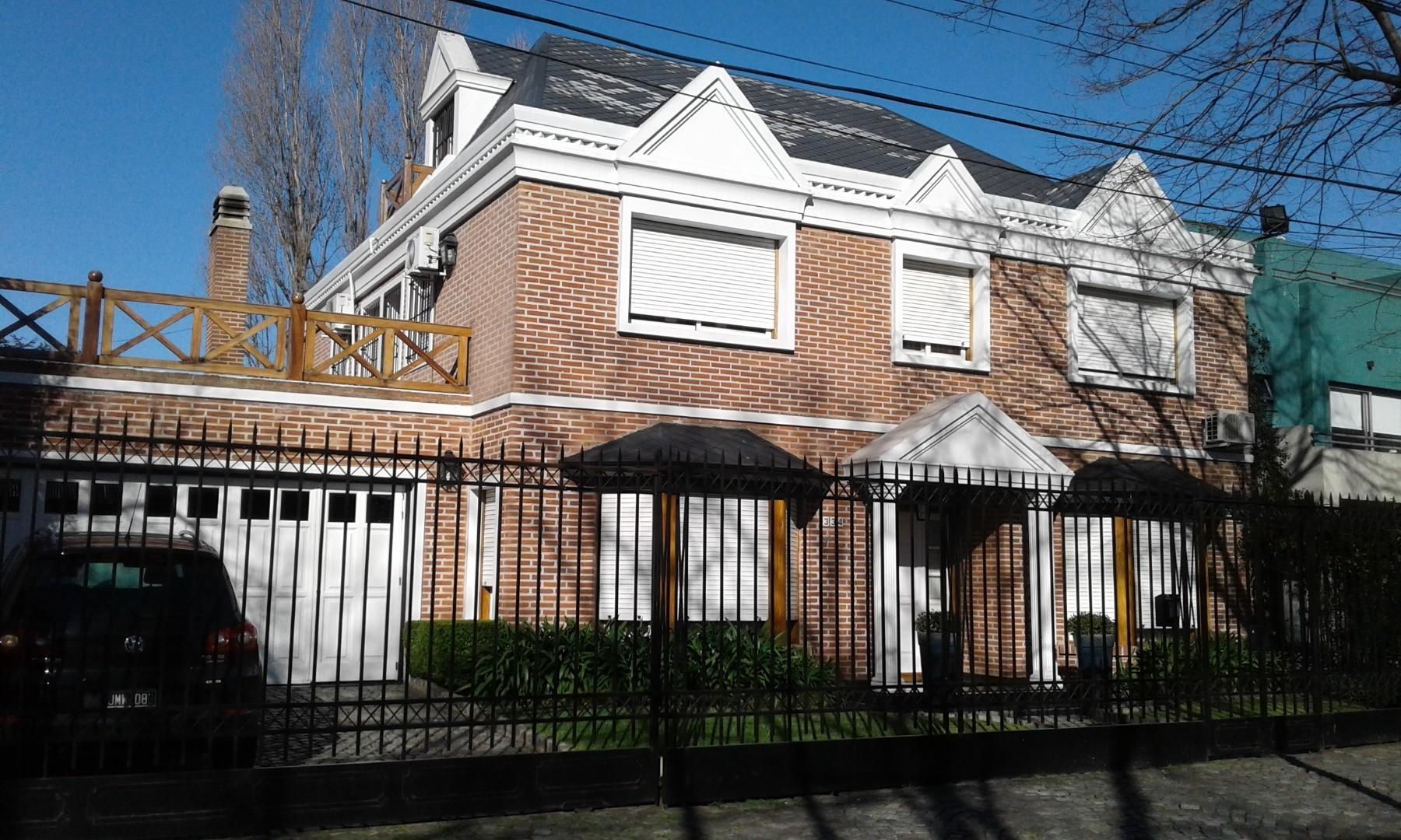 Casa en Venta en Castelar Sur - 6 ambientes