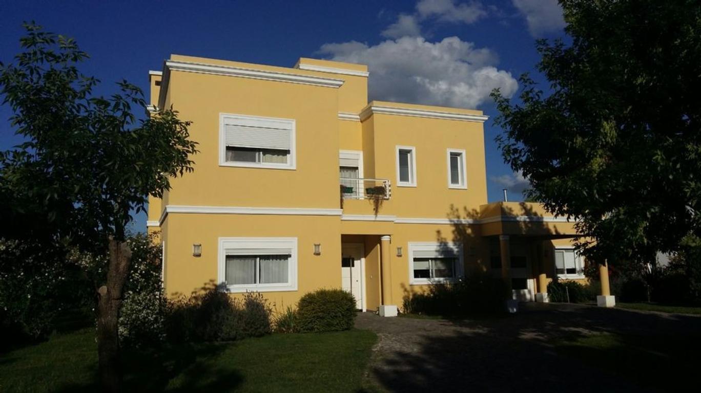 Casa  en Venta ubicado en El Nacional, Zona Oeste - OES0865_LP117602_1