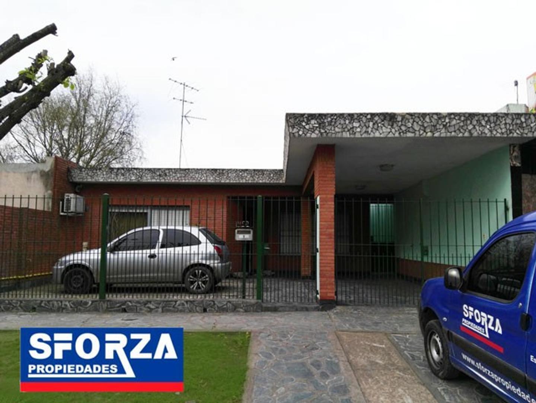 Hermosa casa sobre importante lote , barrio Trujui, Apta Credito!!