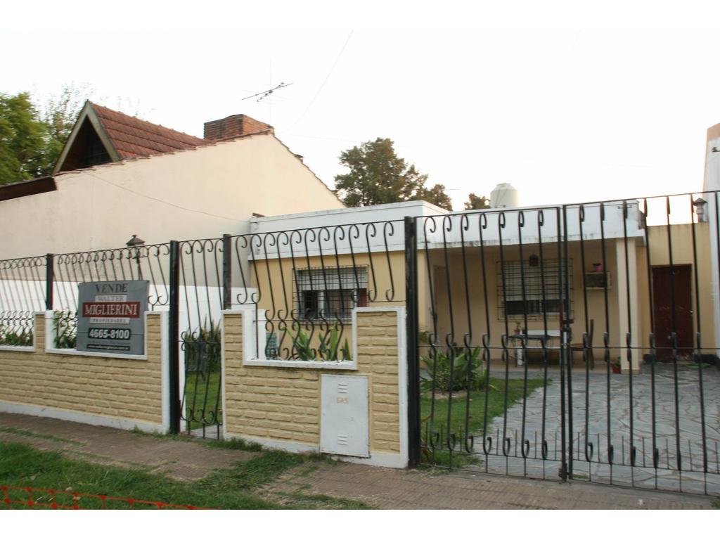 CASA AMERICANA - 3 AMBIENTES - HURLINGHAM (Villa Club - Frente al Club San Jorge)