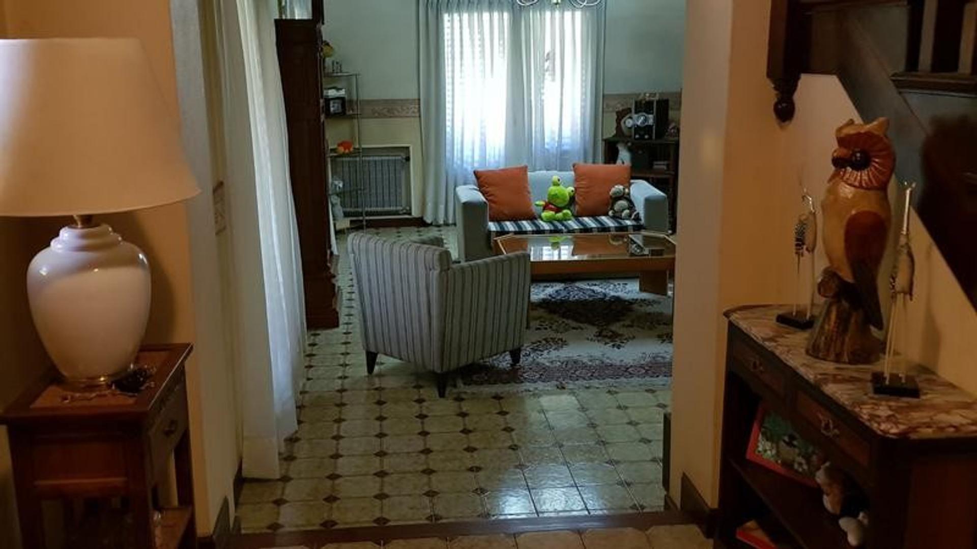 Casa en Adrogue con 4 habitaciones
