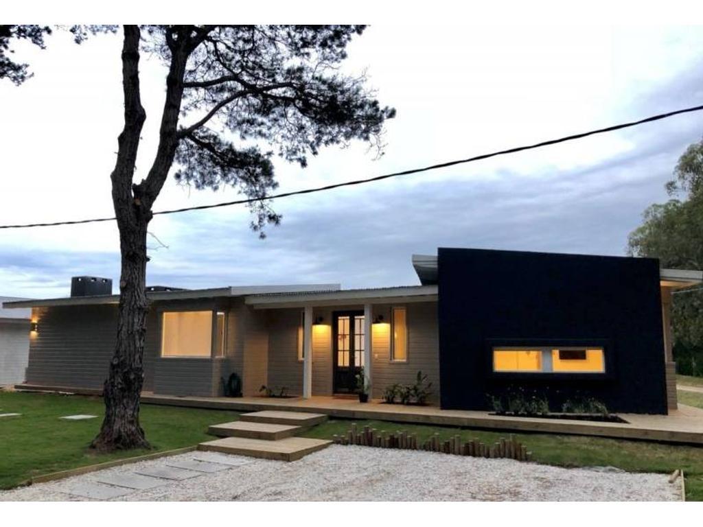 Casa en Country Privado San Vicente estilo playero con la mejor onda
