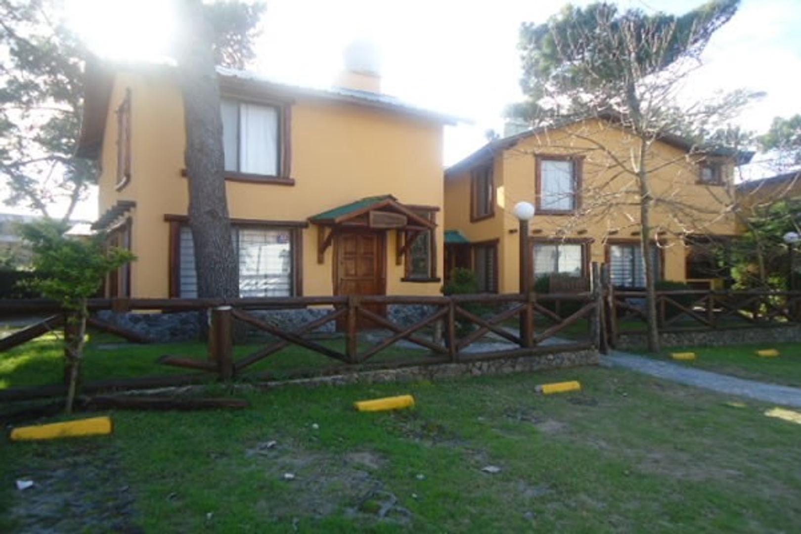 Complejo Chimay U.F. 4 - P.Baja: Living comedor-Cocina integrada-Toilette- Pta.alta: 1 Dormitorio-