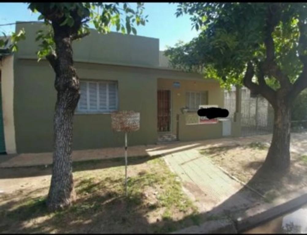 Dueña Financia una parte Solida Casa sobre un Terreno de 10x30 Padua sur