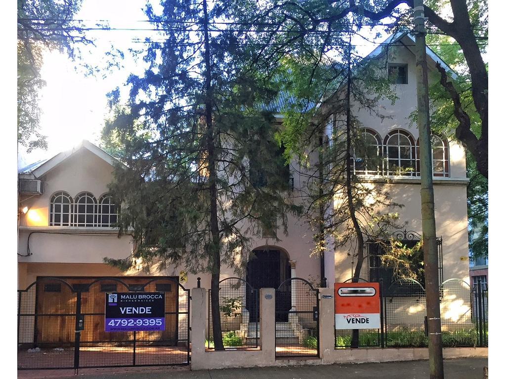 Importante casa de categoría en el corazón de Olivos