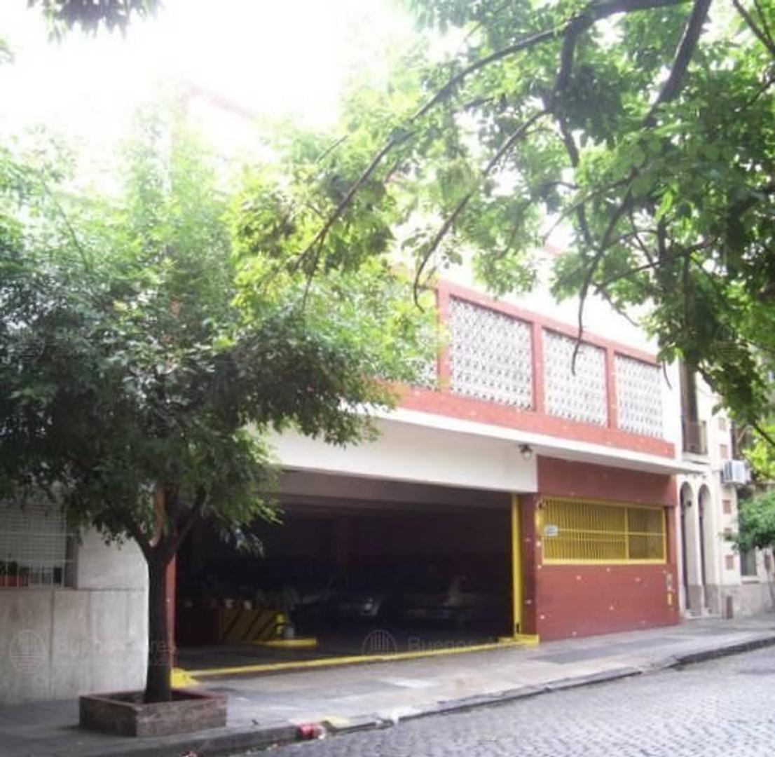 Garaje de 17.30x49, Subsuelo, P. Baja y 1er Piso, 79 Cocheras fijas