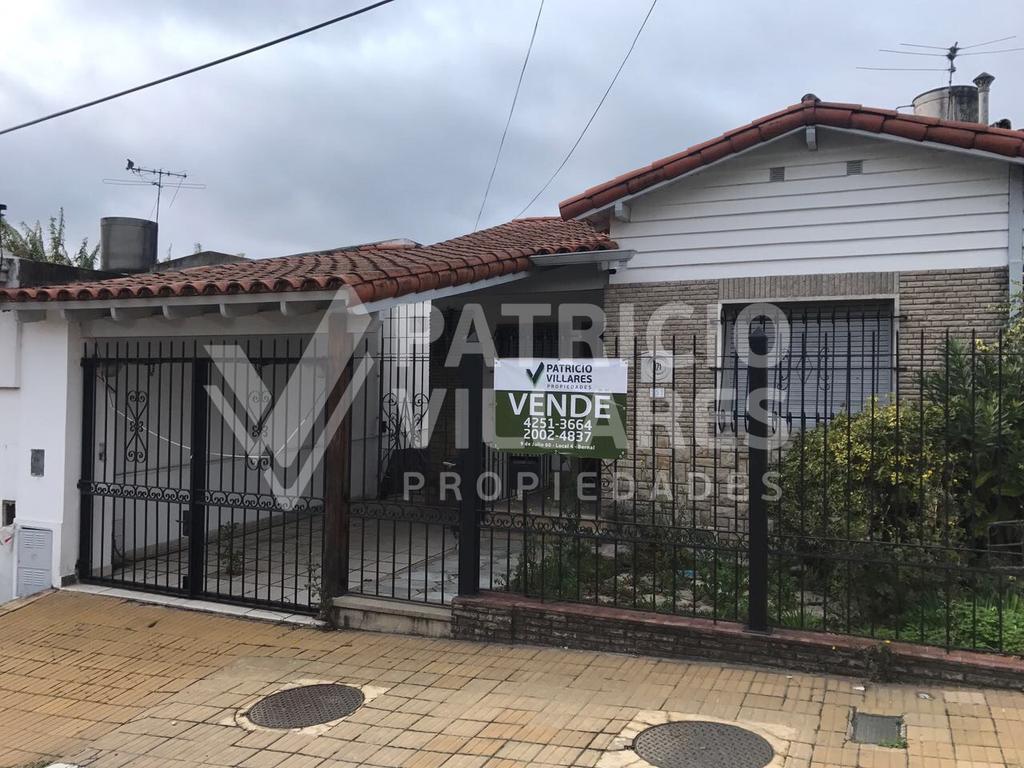 Vende : calle Tacuari 171 E ciudadela y Roca.Don Bosco