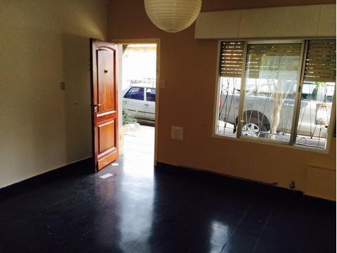 Dueño departamento 2 ambientes tipo casa en Planta Baja. Impecable estado!