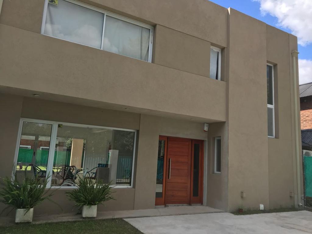 Moderna propiedad en venta en El Rocio!!!