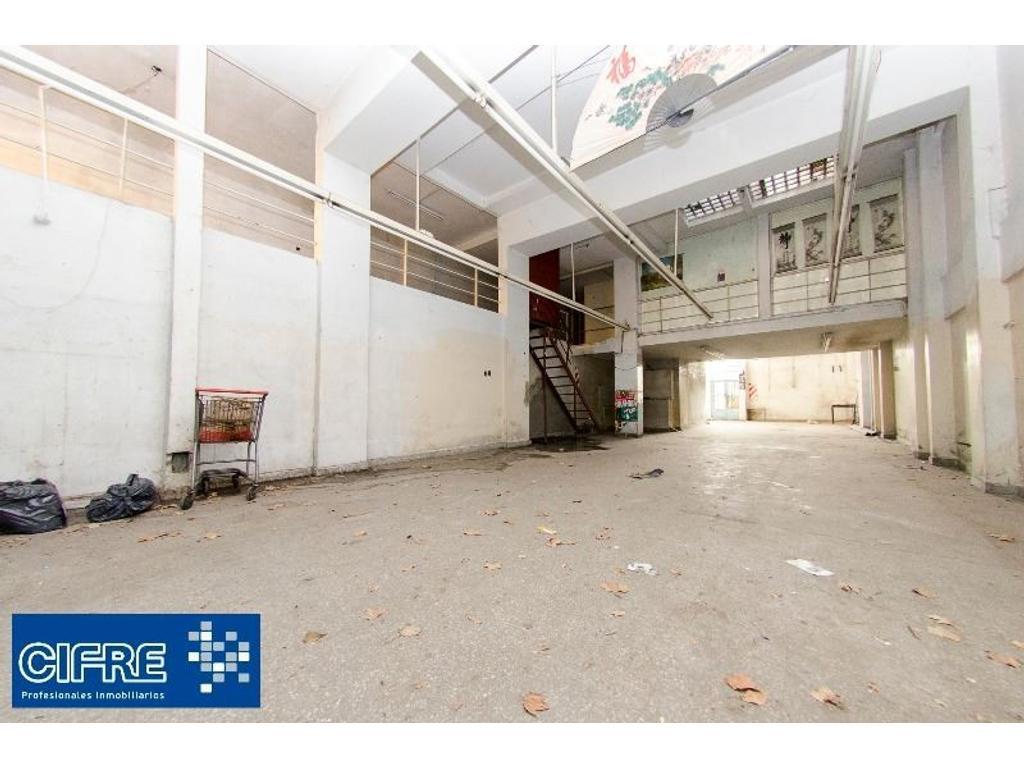 Local al frente sobre avenida. 231m2 OPORTUNIDAD INVERSION (Suc. Devoto 4504-4444)