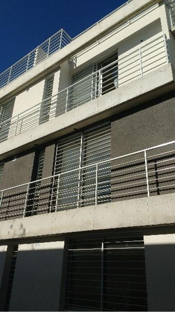 Complejo de Departamentos en Castelar Norte a Estrenar,  FINANCIACION PROPIA