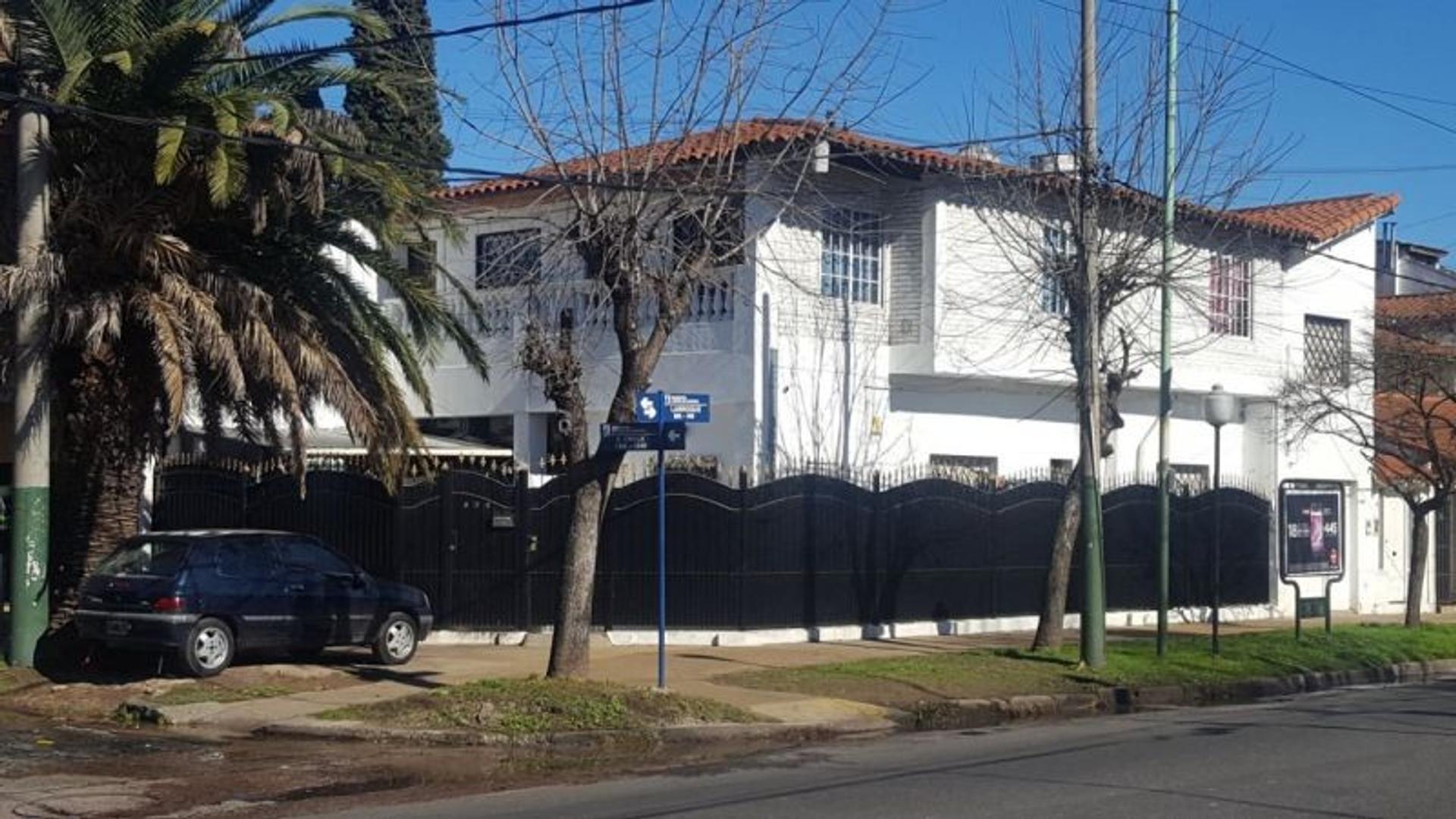 venta casa barrio residencial excelente, larroque 900 banfie