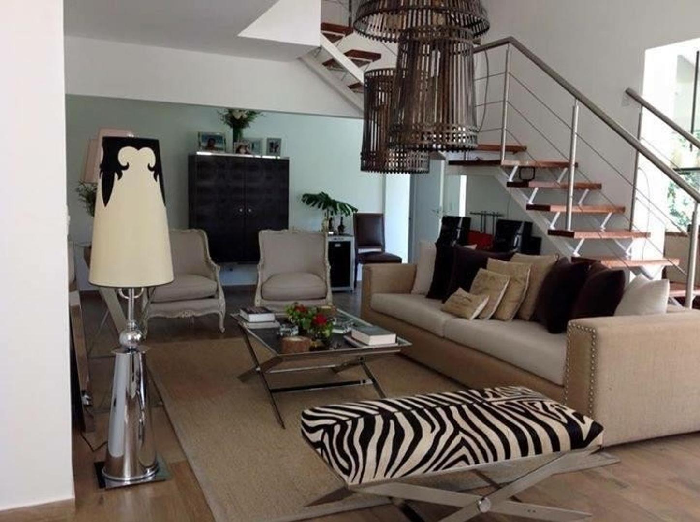 Casa en Venta en Barrio Garin Norte - 6 ambientes