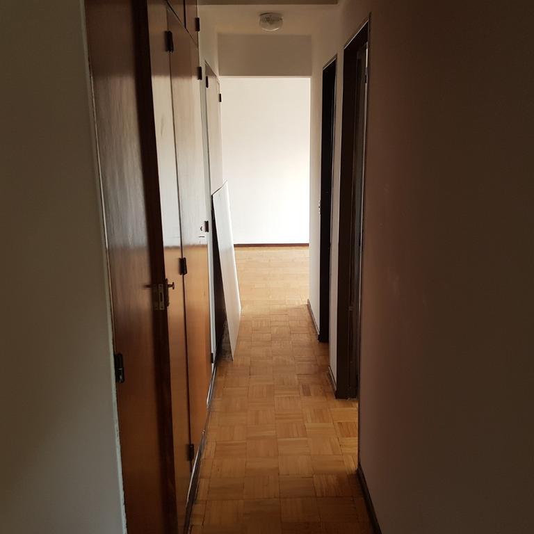 Semipiso 3 ambientes a la calle en Alquiler - Santander y Miro. P. Chacabuco.-
