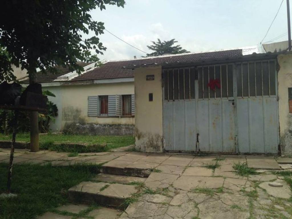 XINTEL(MDA-MDA-904) Casa - Venta - Argentina, La Plata - 116 bis  AL 2700