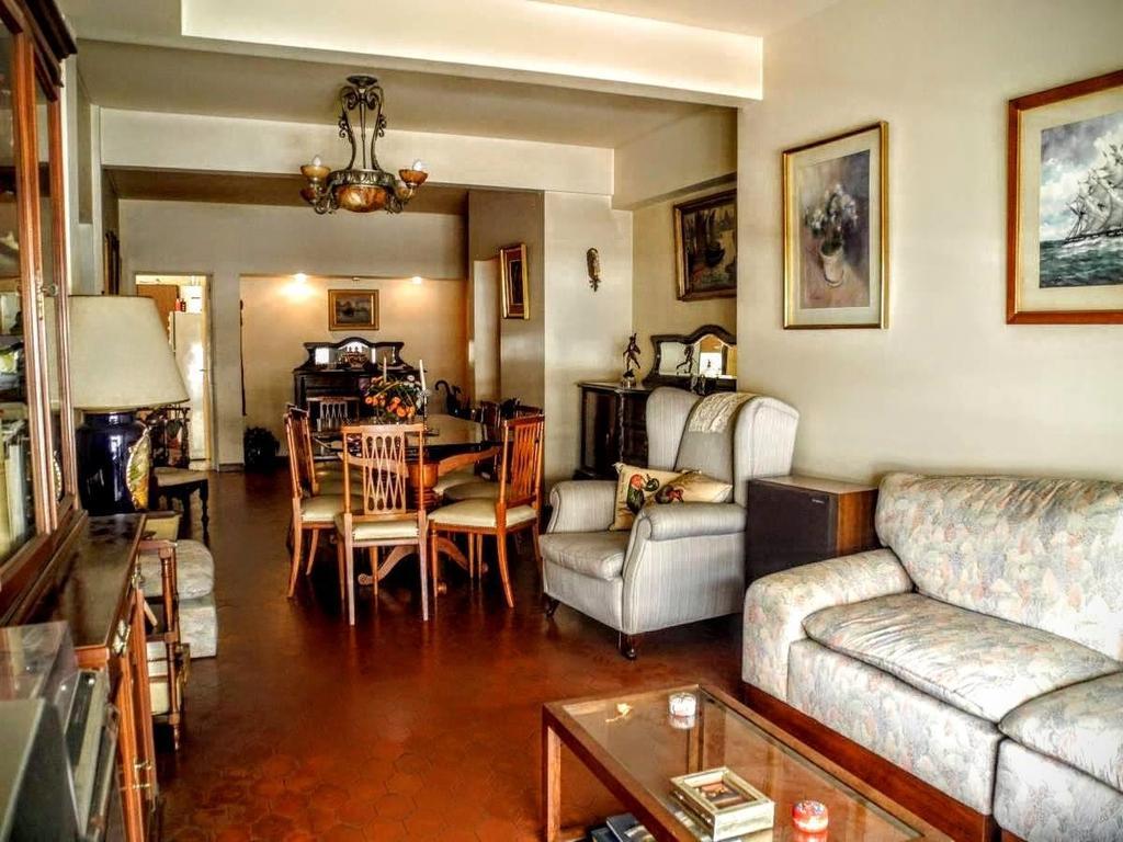 A refaccionar! Muy buen departamento en excelente zona, con ambientes amplios y luminosos.