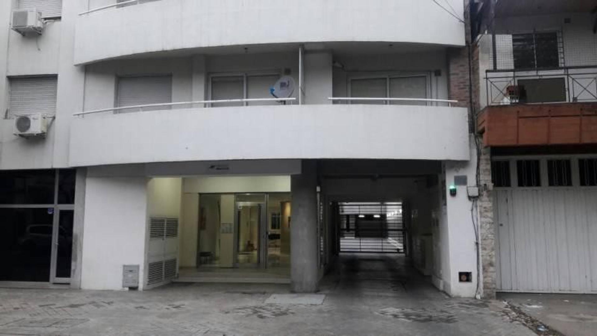 Cocheras individuales ideal inversión, a metros de Av. Pellegrini