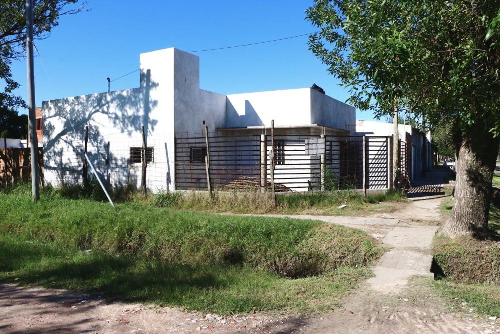 Se Vende Casa barrio Carmen Luisa 2 Dorm a estrena