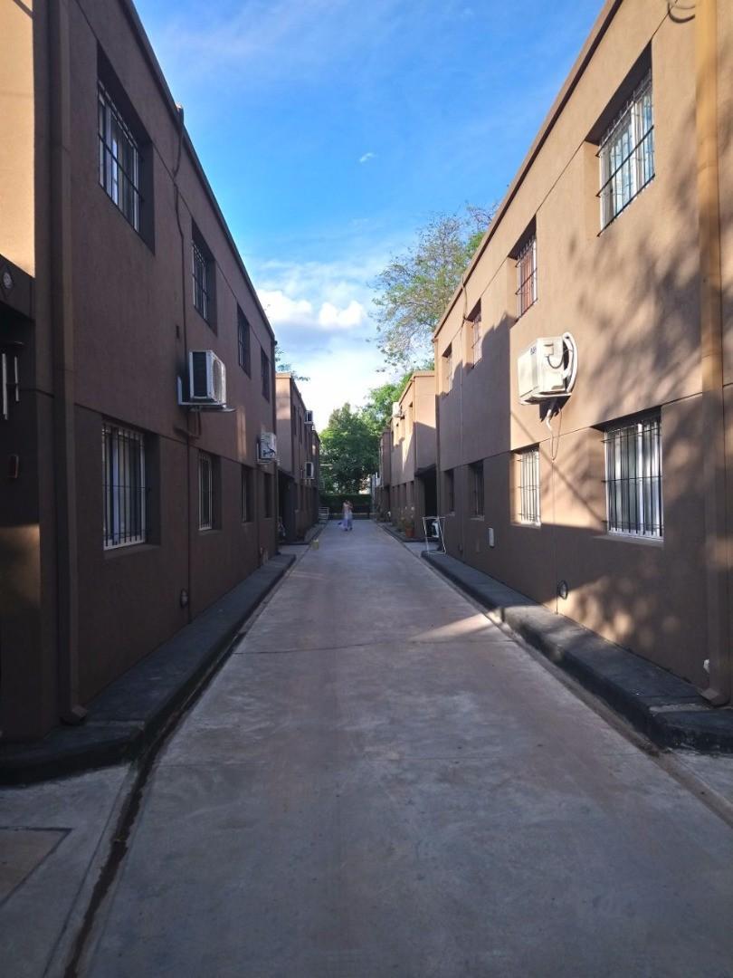 Duplex APTO CREDITO en barrio cerrado