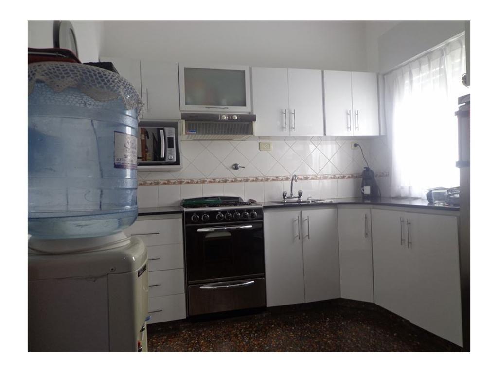 OPORTUNIDAD 2 casas 3 amb c/u en block con quincho