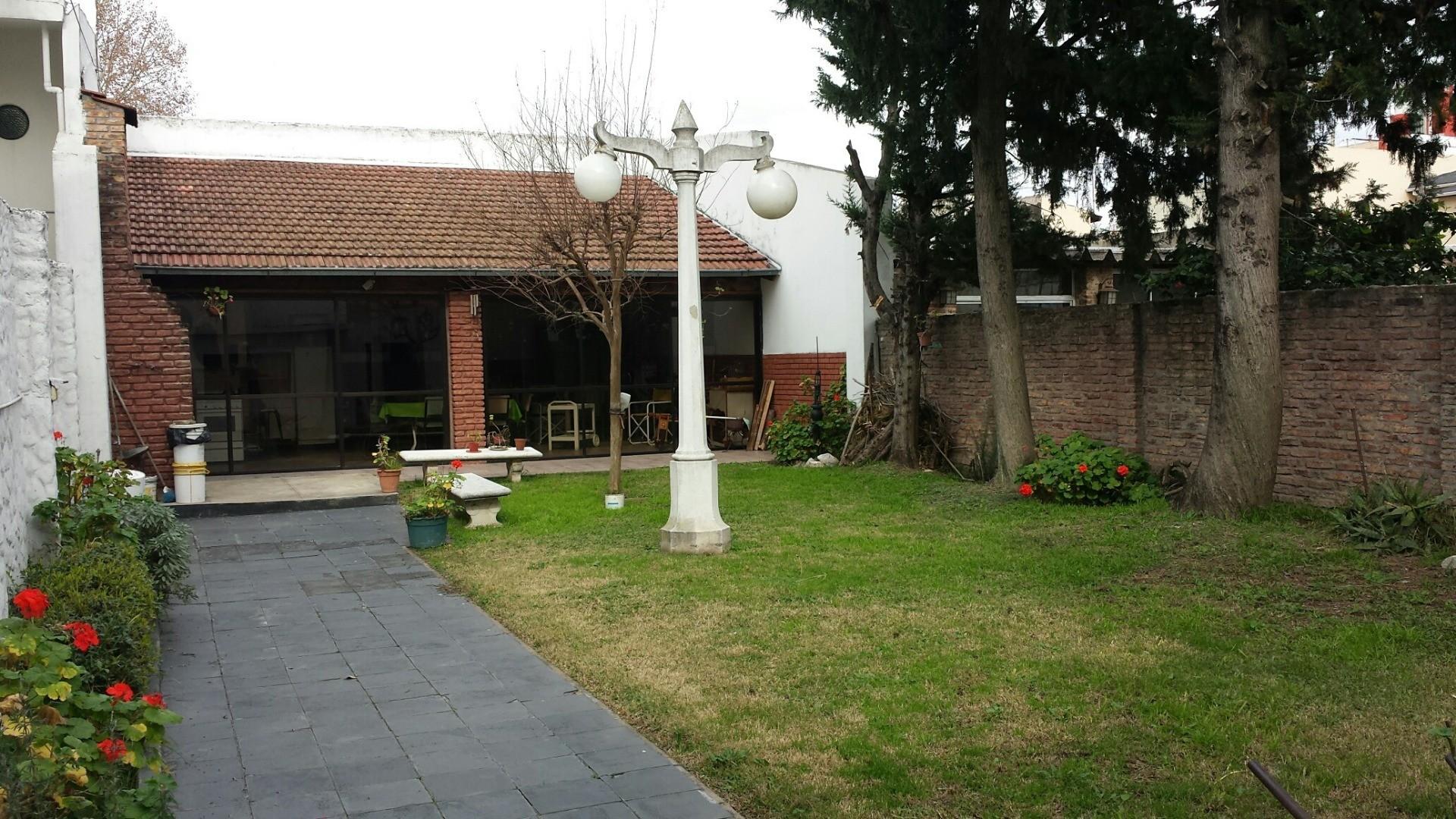 Casa en Venta en Villa Pueyrredon - 4 ambientes