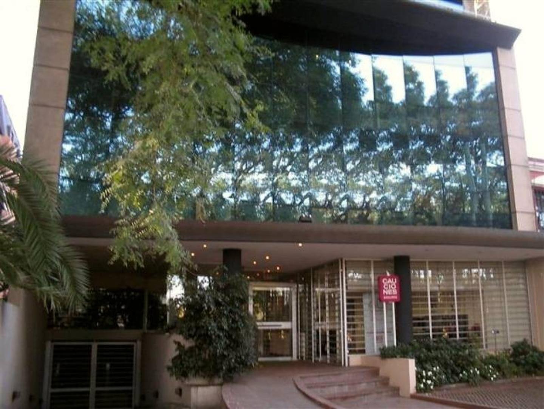 Moderna Oficina en San Isidro en Alquiler