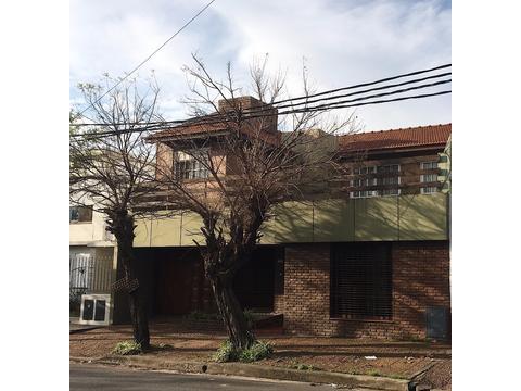 Casa en venta 5 Amb en Quilmes
