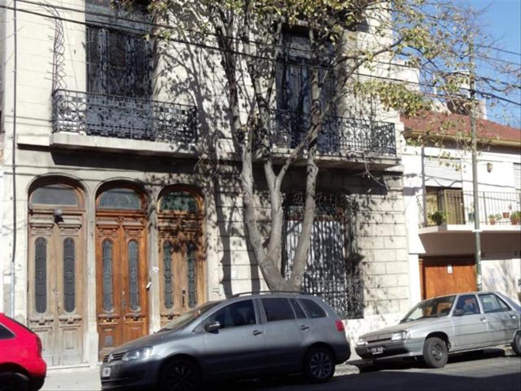 Departamento tipo casa en Venta de 6 ambientes en Capital Federal, Boedo