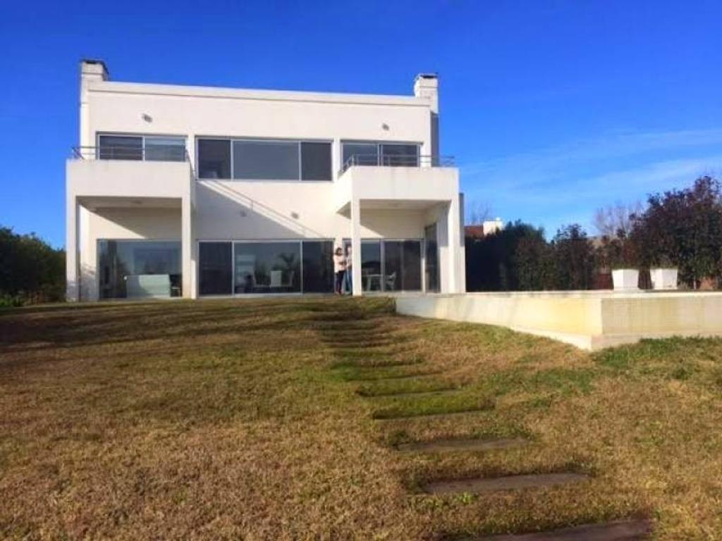 Casa al rio en  venta en el barrio san Isidro labrador lote Nº 843 Villa Nueva Tigre (APTO CRÉDITO)