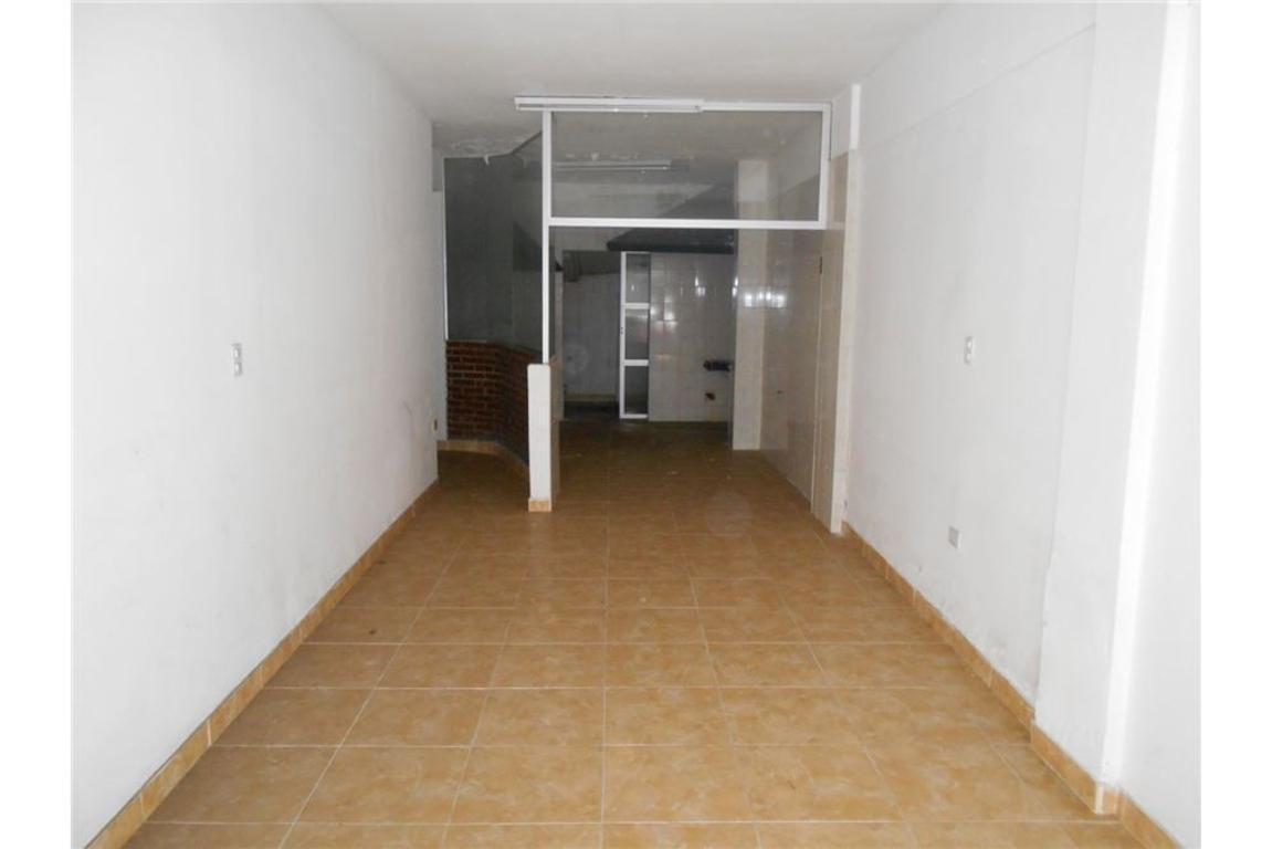 Local 58 m2, plaza colon, 3 baños, tiraje, venta