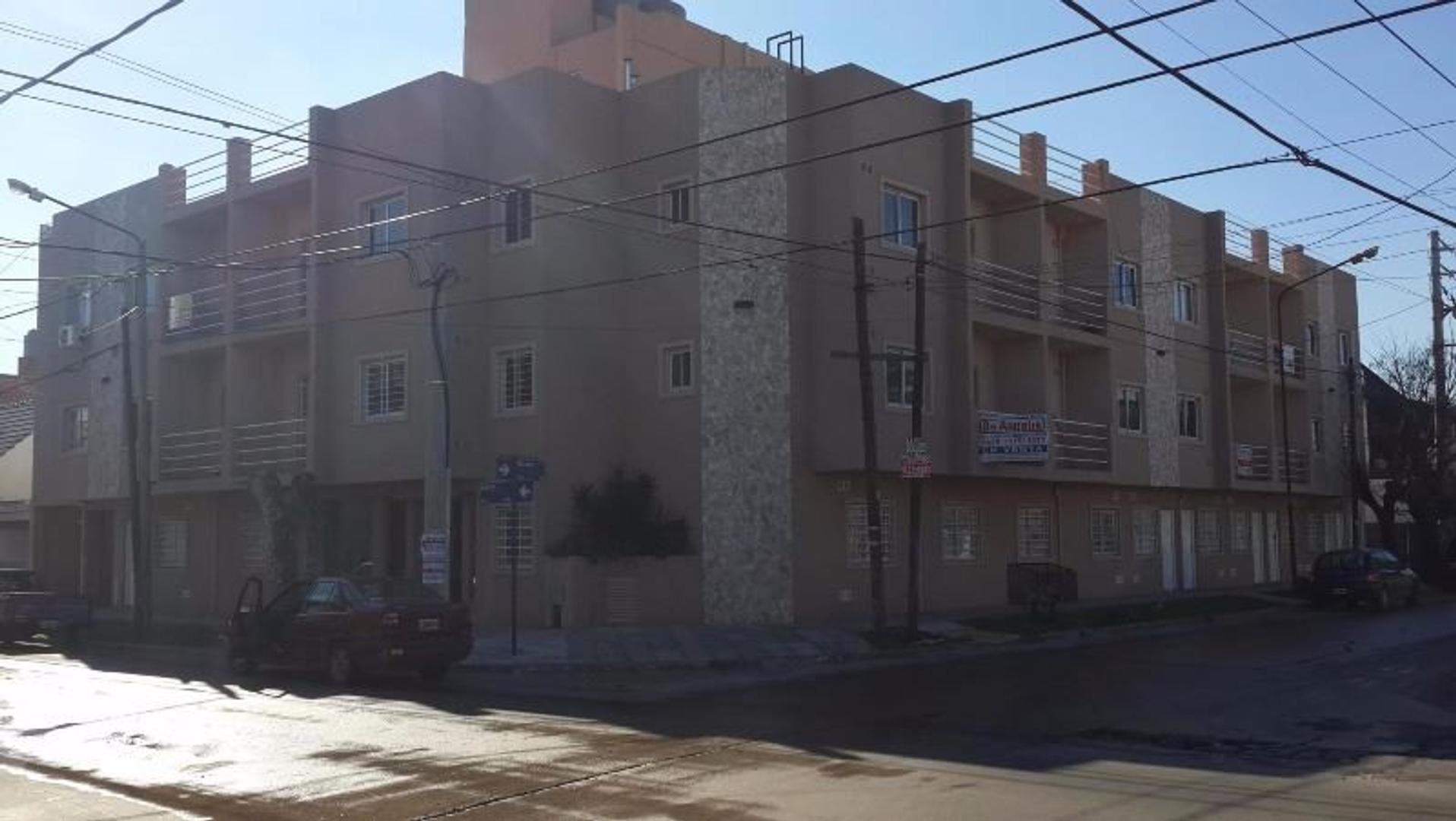 Departamento en Ramos Mejía, La Matanza, Buenos Aires USD 68000 - Laprida 278 (Código: 486-049)