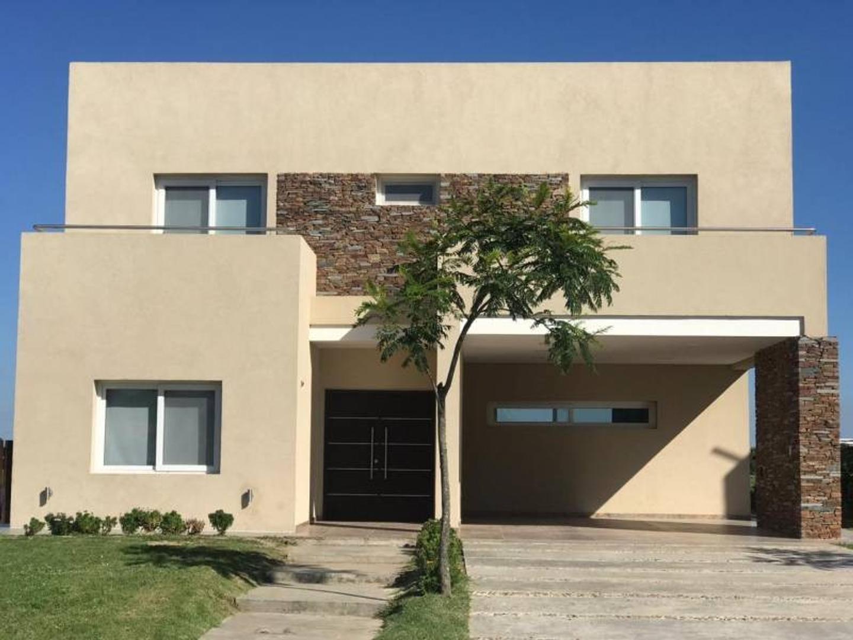 Excelente casa en venta al lago en barrio Vistas - Puertos