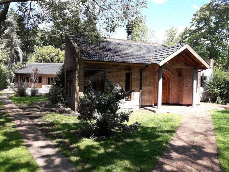 Excelente casa en venta Parque Leloir