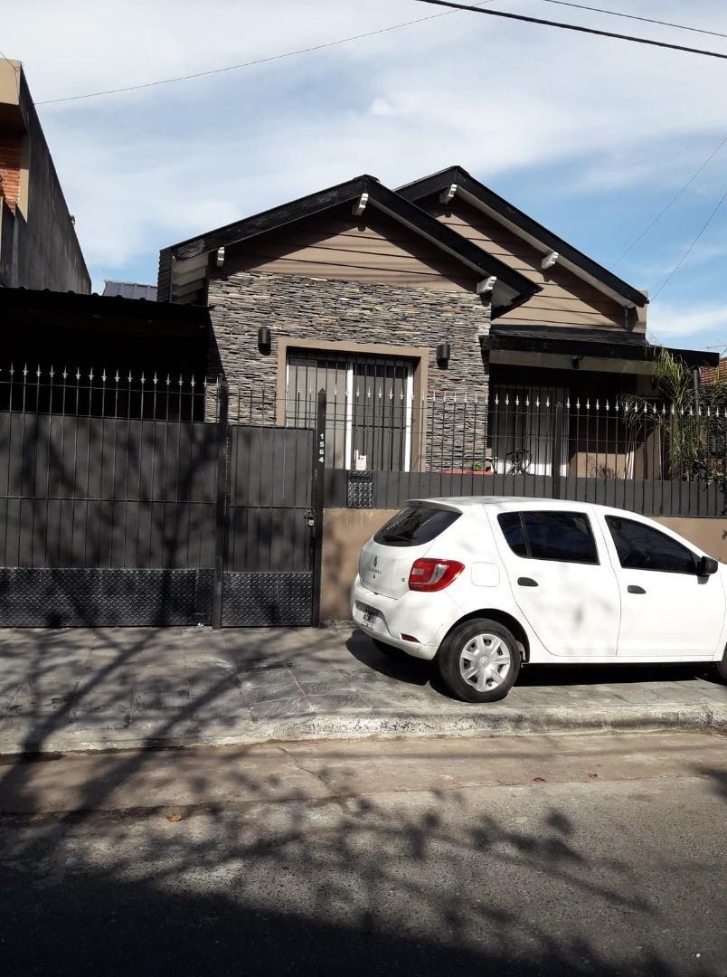 CASA EN ALQUILER OLIVOS EXCELENTE UBICACION