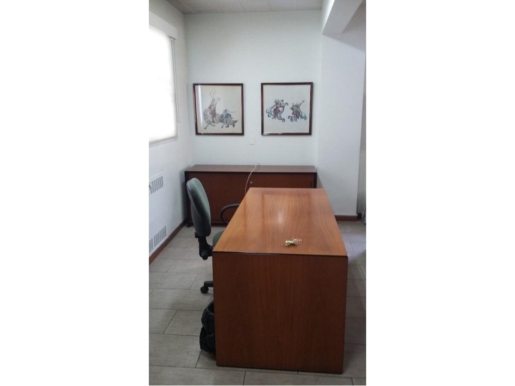 Oficina en alquiler en avenida corrientes 3169 abasto for Muebles de oficina zona tigre