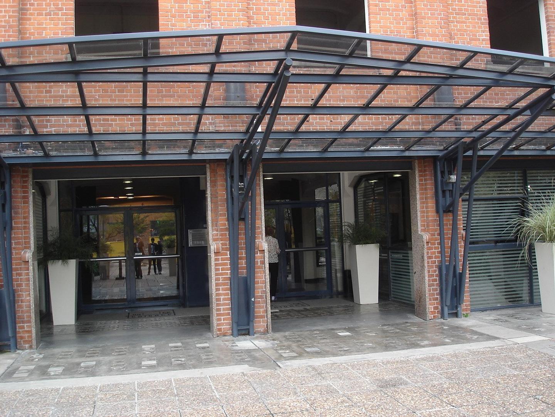 Hermoso departamento de 46  m2 de 2 ambientes al frente con balcón en Puerto Madero