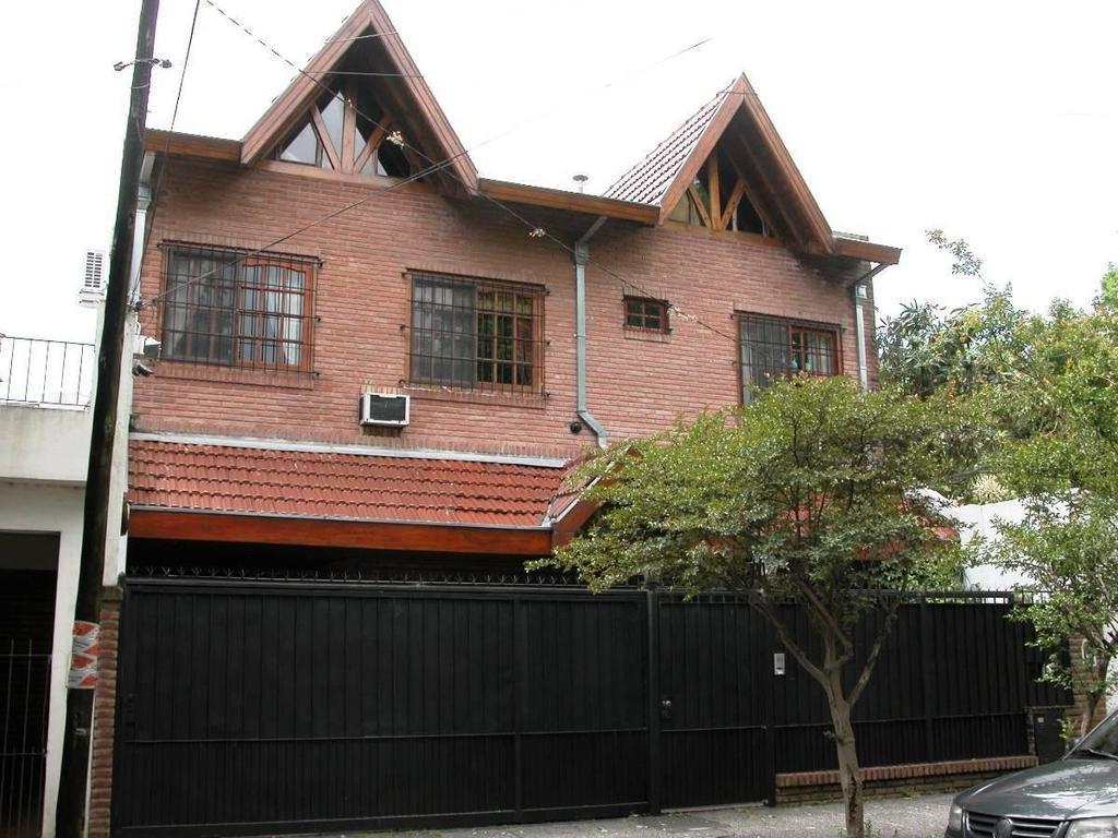 Impecable Residencia 300 cubiertos 5 ambientes Gran parque  - La Lucila Vias a Av.