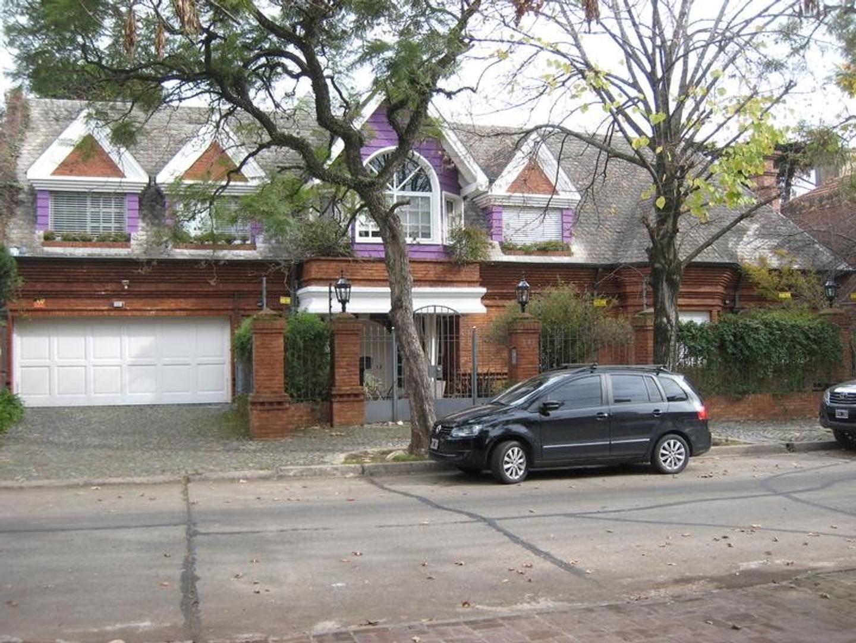 Suntuosa propiedad a pasos de Avenida del Libertador, Acassuso.