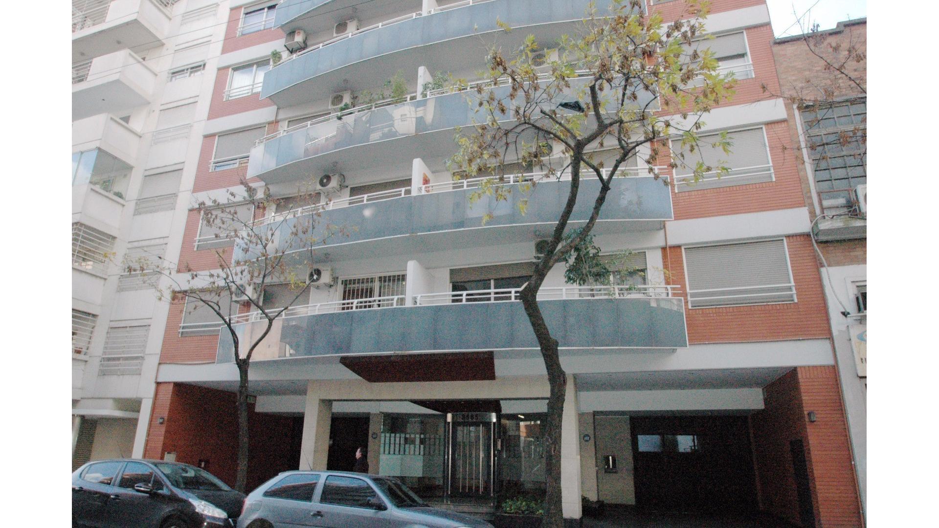 3 Ambientes , Palermo , Frente con Balcón , Cochera y Baulera , Piscina , Muy Lu